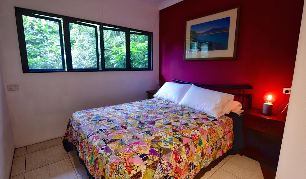 Big Bungalow queen bedroom