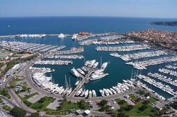 5m - 50m berths available