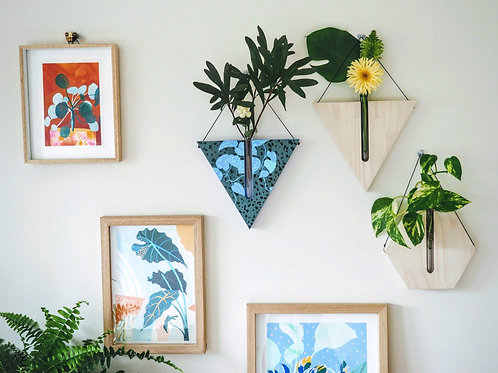 Blue ivy triangular wall planter