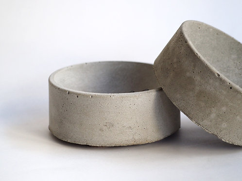 The pinch bowl in concrete