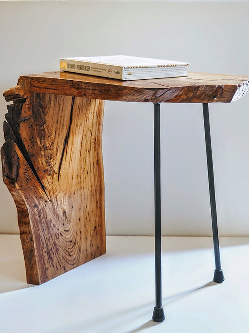 The side table / stool