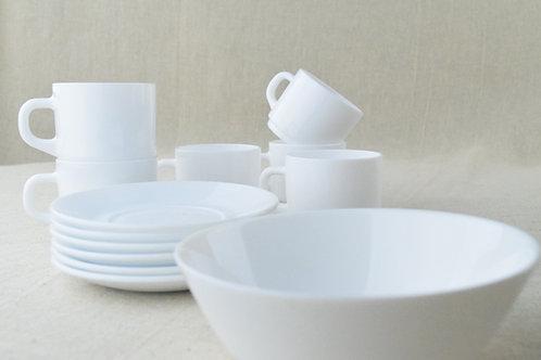 Arcopal France Tea Set