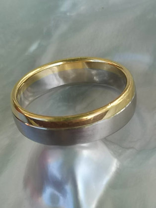 18 carat White and Yellow Gold Band