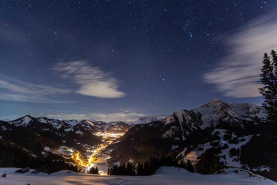 Vallée d'Abondance de nuit