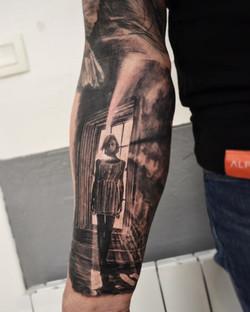 tattoo femme black corner tattoo