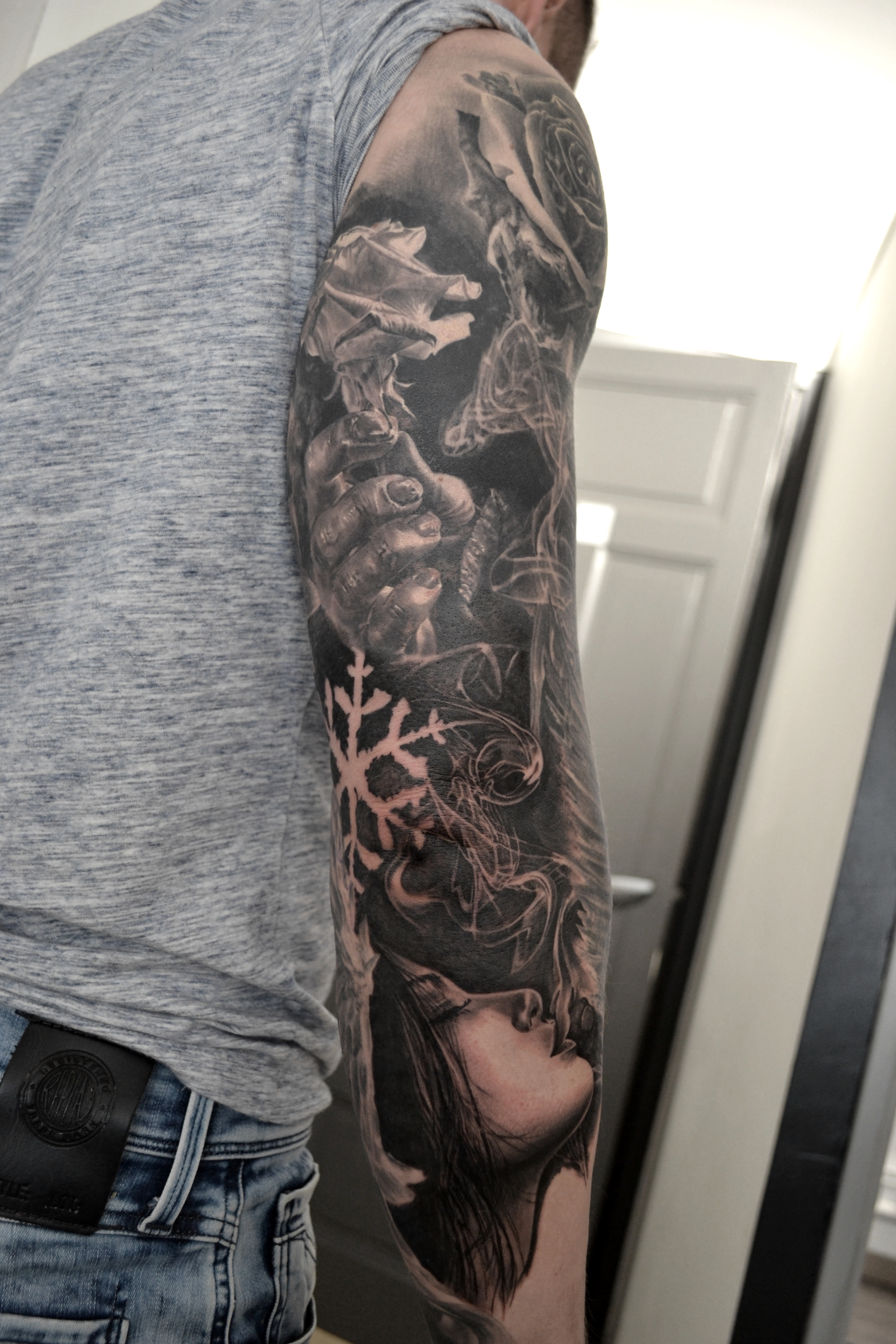 tattoo sleeve black corner tattoo