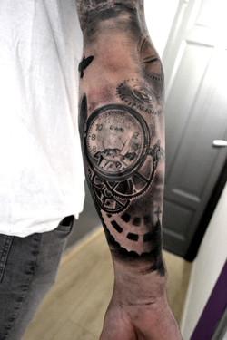 tatouage montre black corner tattoo