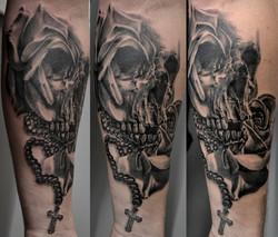 tatouage crane black corner tattoo