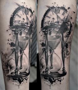 black corner tattoo,trash ploka