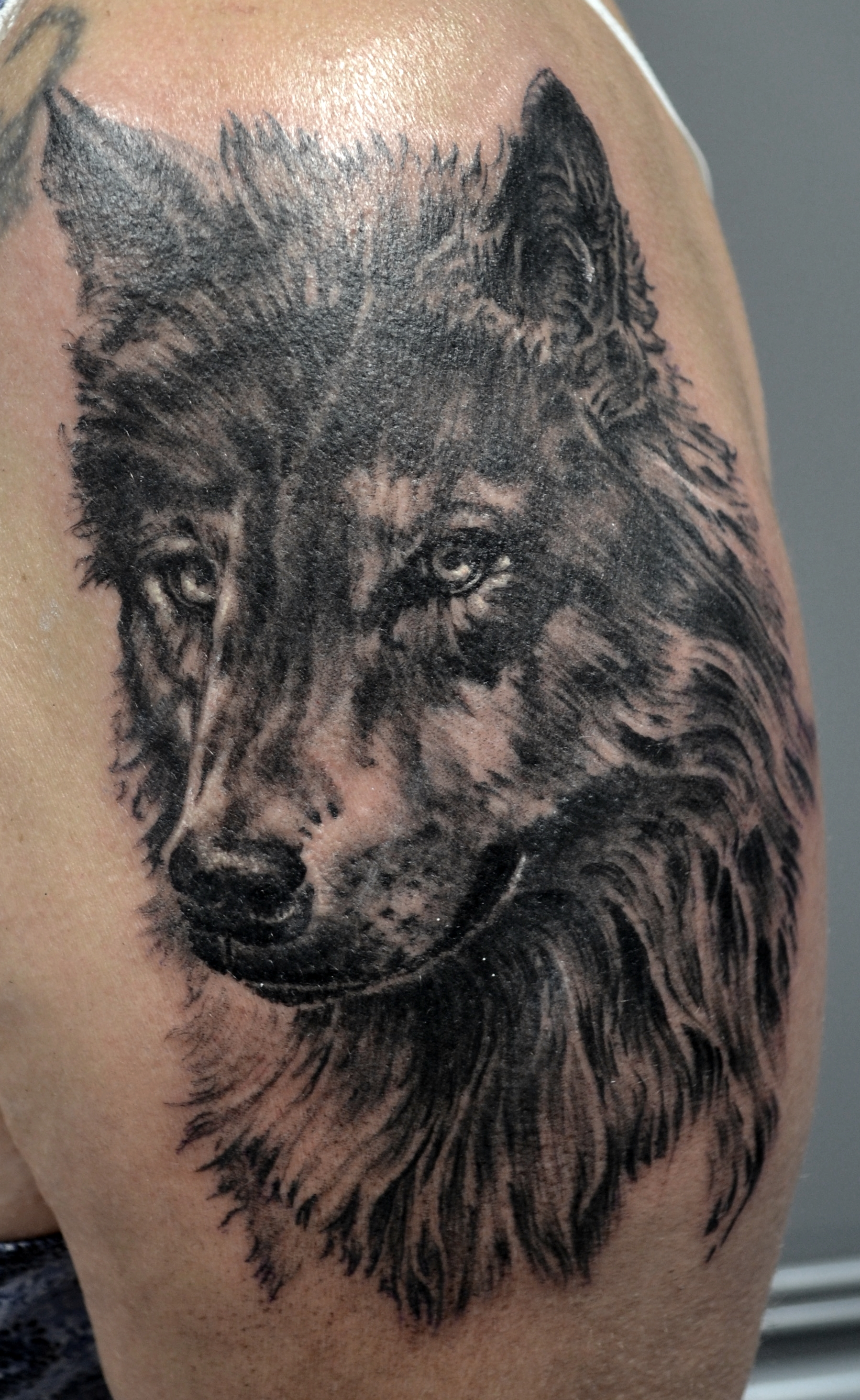 black corner tattoo valence