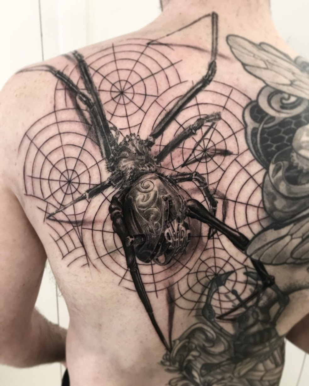 tattoo spider black corner tattoo