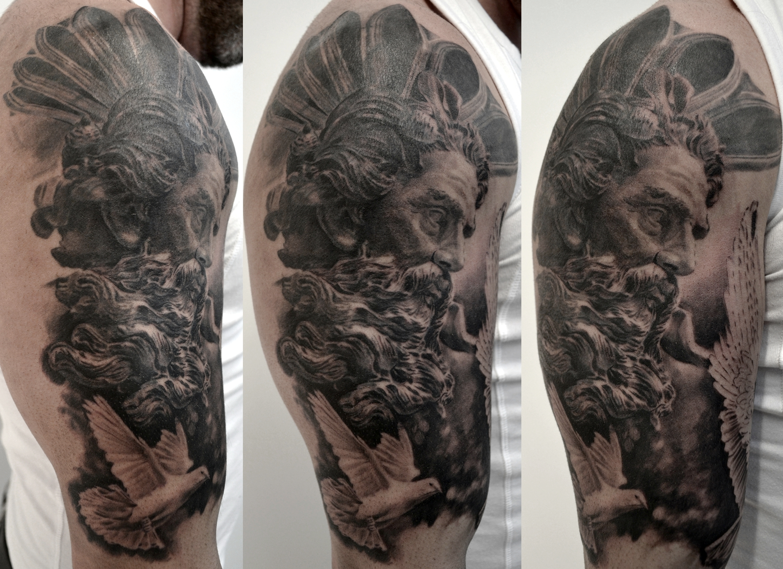 black corner tattoo,bueno,dieu grec
