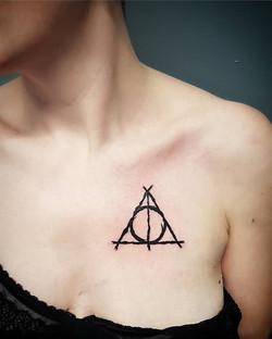 tattoo symbole black corner tattoo