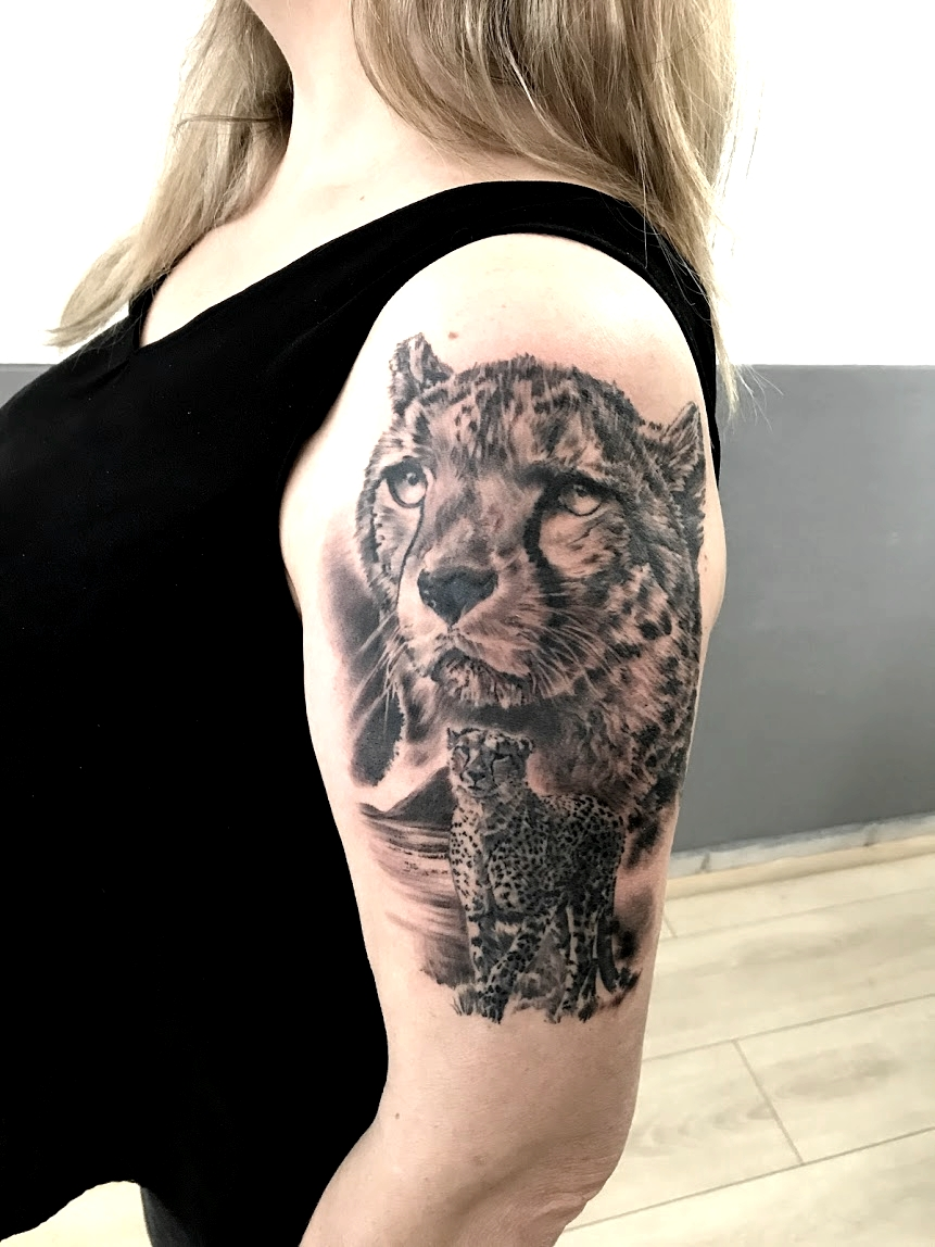 tattoo guepard black corner tattoo