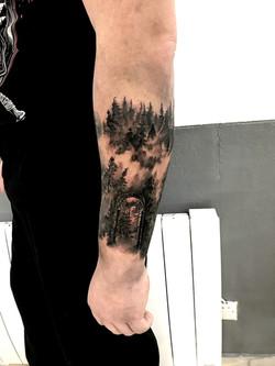 tattoo foret black corner tattoo