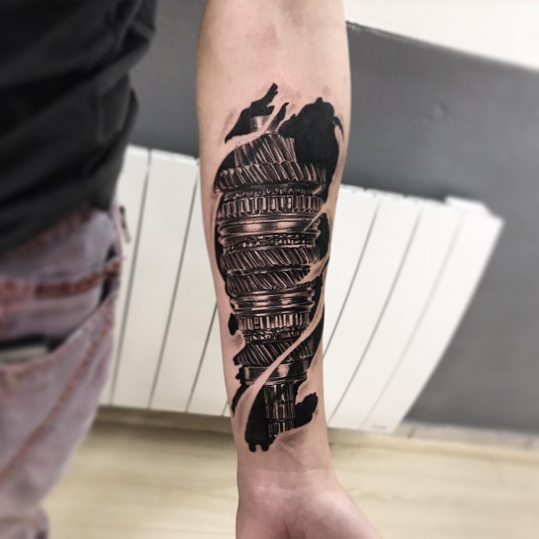 tattoo gearing black corner tattoo