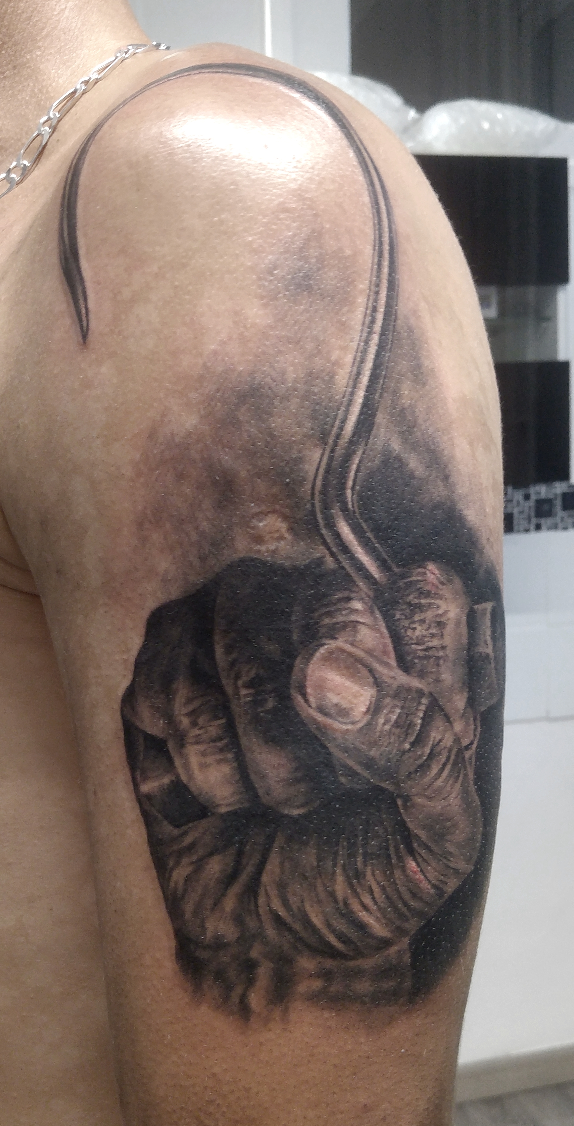 black corner tattoo valence bueno