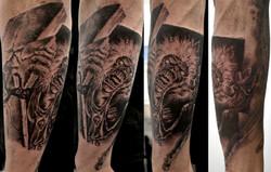 black corner tattoo,valence,bueno