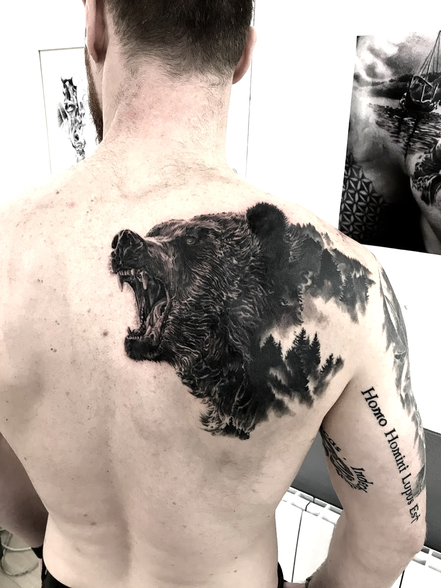 tattoo bear black conrer tattoo