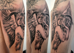 tatouage femme black corner tattoo