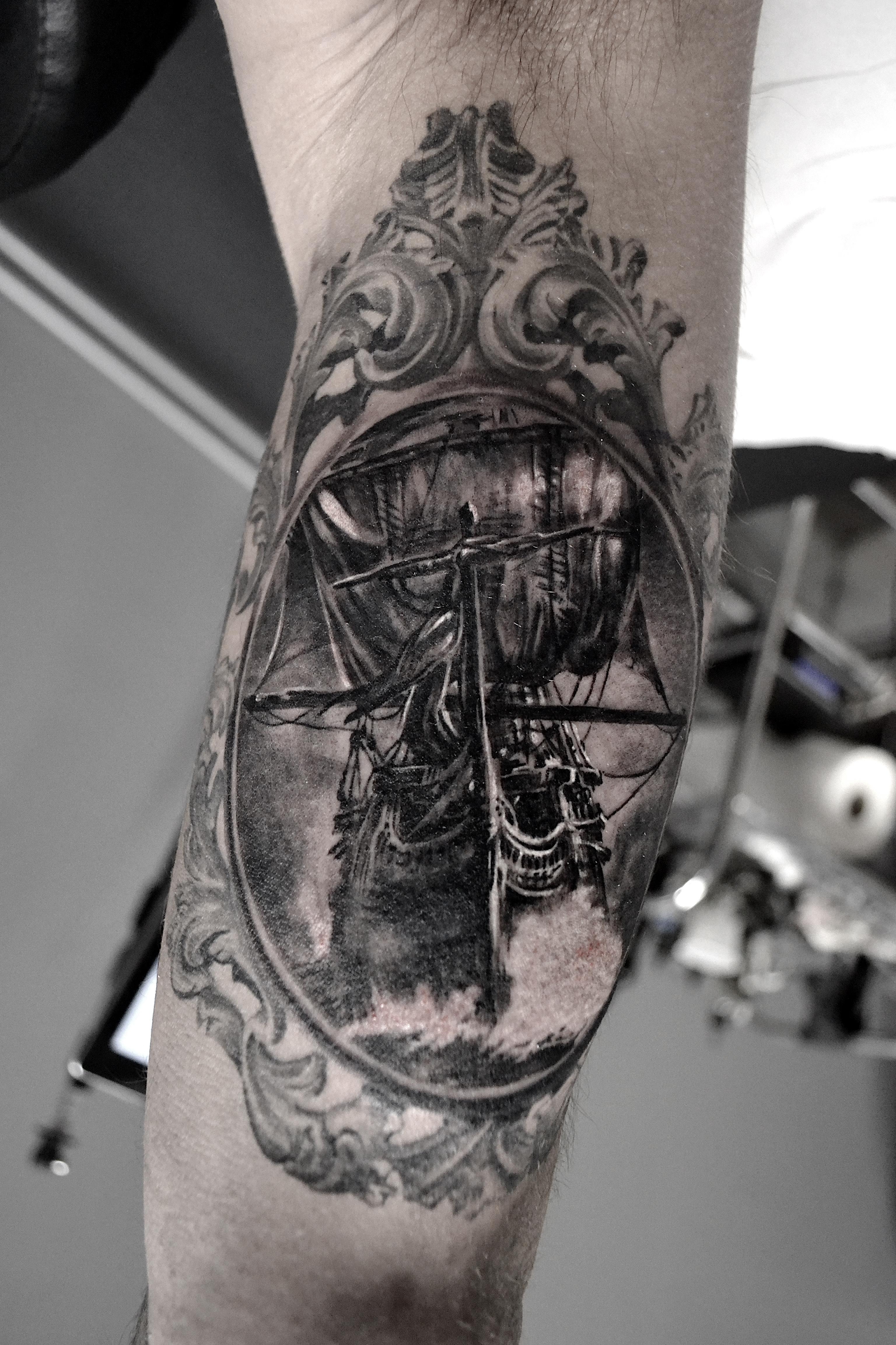 tatouage bateau black corner tattoo