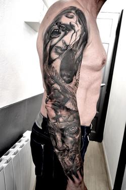 tattoo visages black corner tattoo