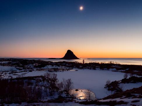 Bleiksøya moon