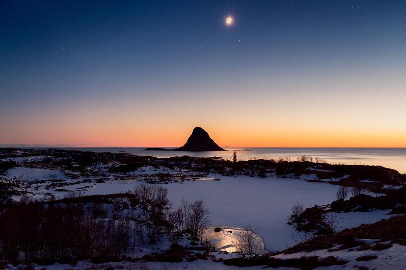 Måne Bleiksøya