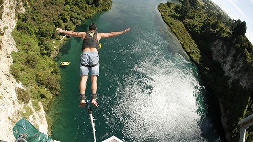 Bungy Jump - Waikato River Taupo