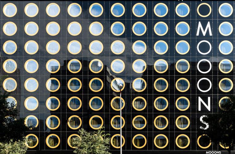MOOONS-5.jpg