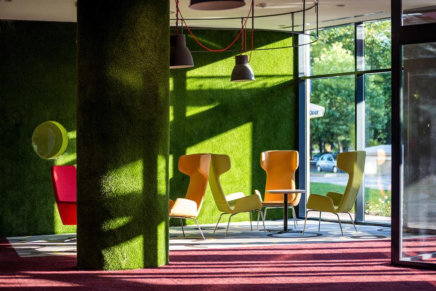 Lobby-111.jpg