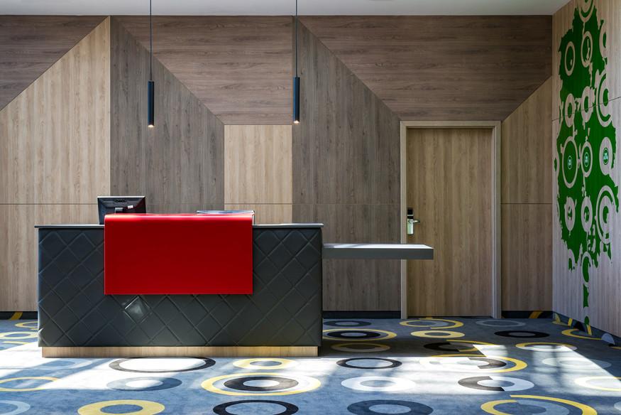 Lobby-138.jpg