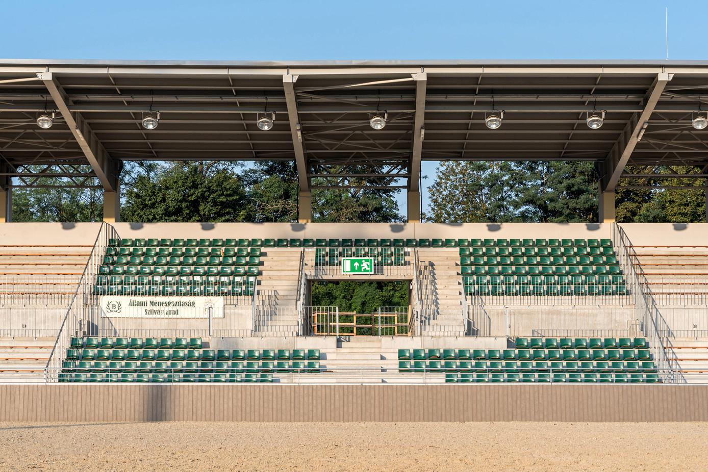Stadion-3.jpg