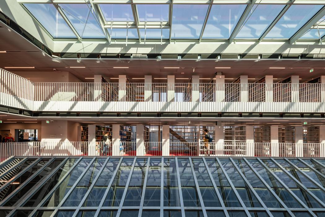 Library-176.jpg