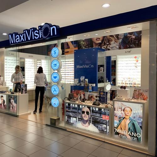Execução de fachada para  o cliente Maxvision no Shopping Total em Poa.