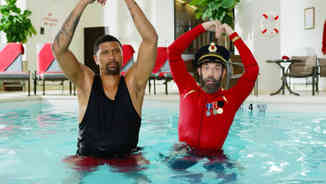 Hotels.com | Synchronized Swimming
