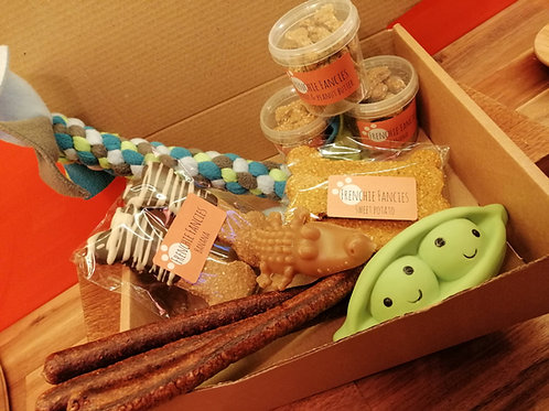 Treat & Toy selection box