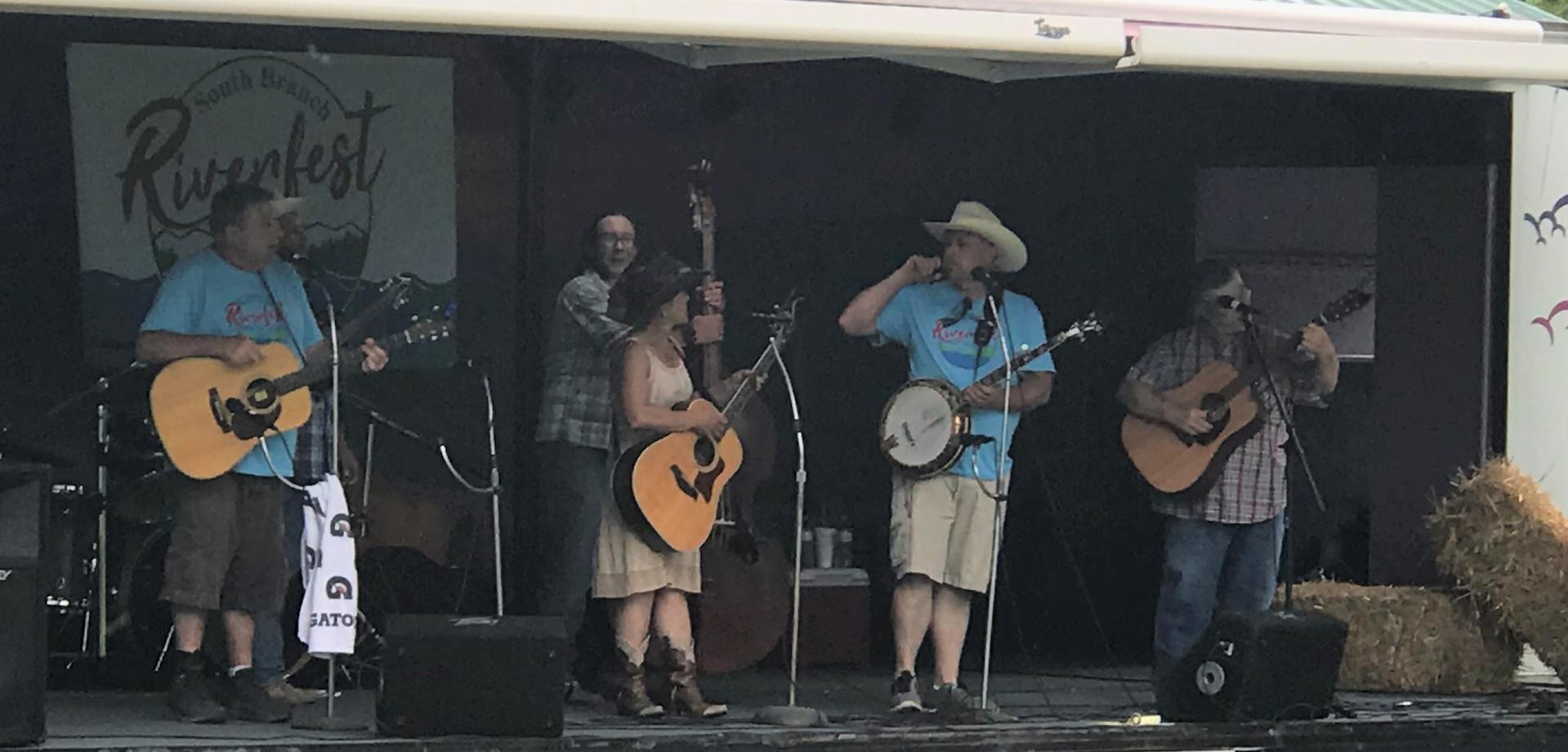 Keplinger Family on the stage