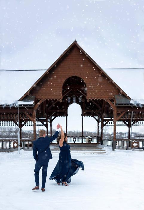St. Charles, engagement session #elvacilonphotography #engagementphotographer #pottawatomieparkengagementsession #engagementposes #engagementsession #engagementphotoshootdress #outfit #photography #chicagophotographer #weddingphotos #weddingphotography