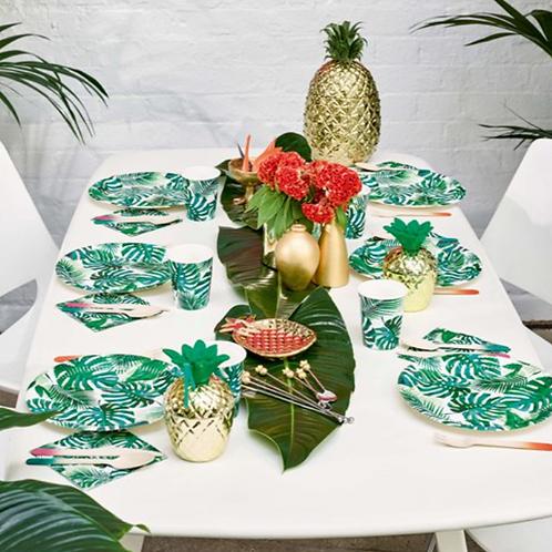 Leaf design paper plates