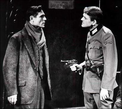 Hal Holbrook and Joseph Wiseman