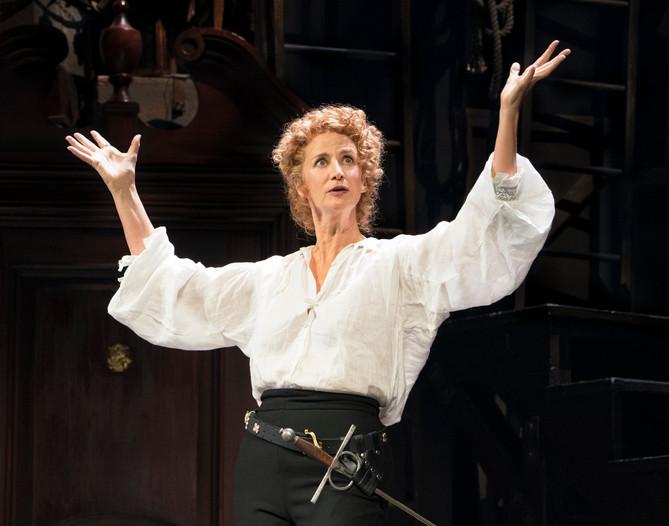 Janet McTeer as Sarah Bernhardt_Sara Kru