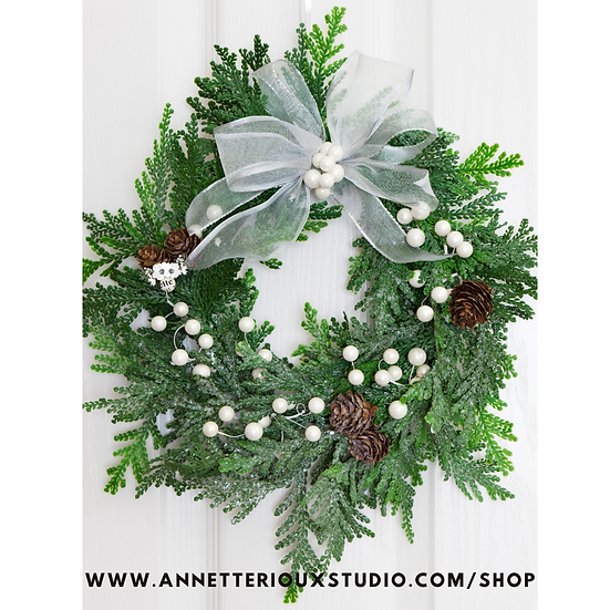 Hand-tied Fresh Wreath