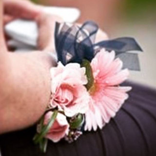 Wedding Corsage #weddingflowers #corsage