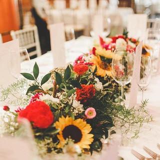 Table Garland #fallflowers #fallwedding