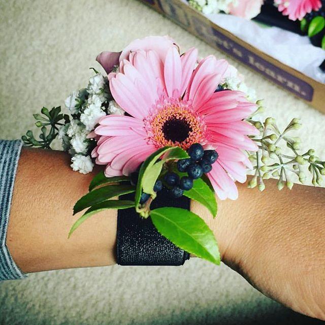 Wrist Corsage #michiganflorist #weddingf