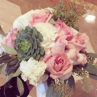 Bridal Bouquet #succulents #gardenroses