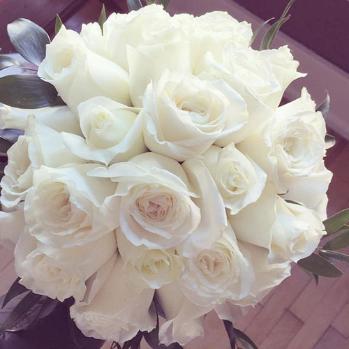 Only Roses #combination #whiteroses #wed