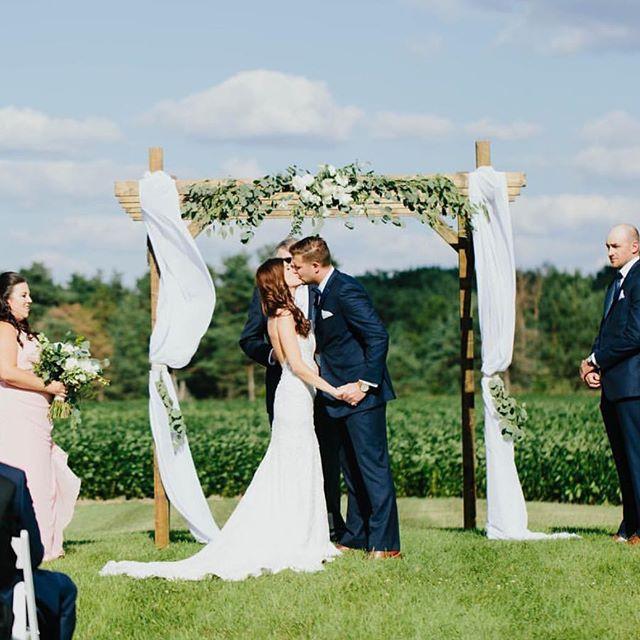 Congrats to the bride + groom!!! It was