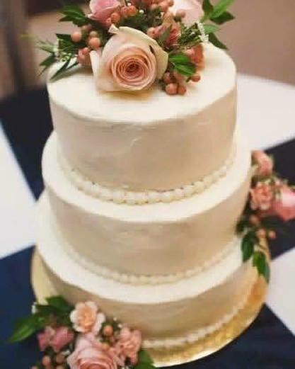 Wedding Cake Flowers #michiganflorist #w